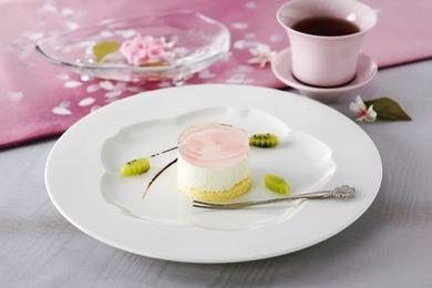 桜風味のレアチーズケーキ