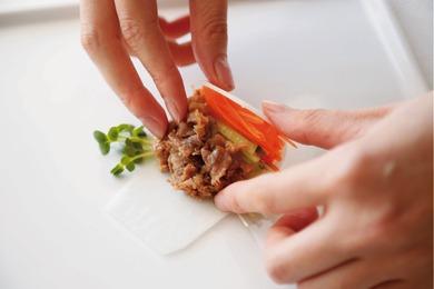 牛肉の春巻き風サラダ
