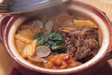 牛肉とあさりのチゲ風鍋
