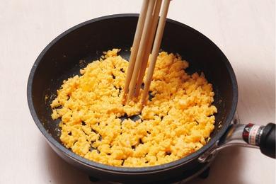 2色そぼろのちらし寿司