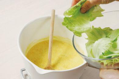 レタスのカレーミルクスープ