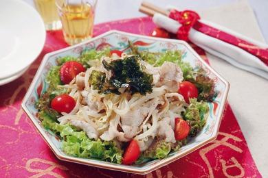 もやしと豚肉の韓国風サラダ