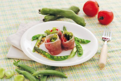 豆と春野菜の生ハム巻き