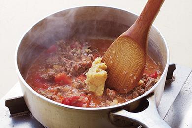 合い挽き肉とトマトの味噌パスタ